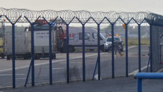 Akcja strażaków z grupy chemicznej na lotnisku cargo