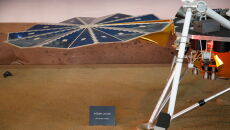 Model lądownika InSight