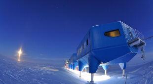 Stacja badawcza na Antarktydzie ma kształt gąsienicy (British Antarctic Survey)