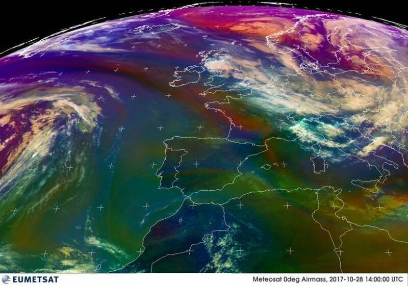 Rozkład frontów atmosferycznych z godz. 16:00 czasu polskiego (Eeumetsat)