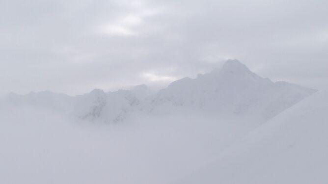 """W górach nadal niebezpiecznie. <br />""""Sytuacja jest bardzo dynamiczna"""""""