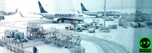 Opóźnione samoloty i pociągi. Śnieżyce w Wielkiej Brytanii